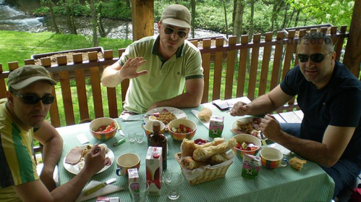 Desayuno en Río Gradac Serbia