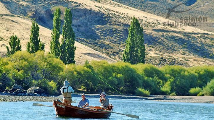 Flotada en río Aluminé