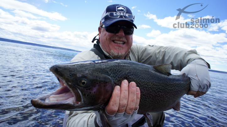 Pesca en Jurassic Lake Argentina