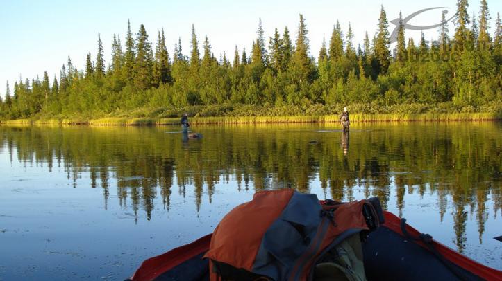 Pescando en tramo de aguas tranquilas