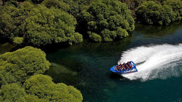 Excursión en jet boat en el río Waikato. Tongariro Lodge