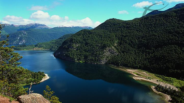 Pesca con el Parque Nacional Alerce con Lago Verde Wildenerss Resort