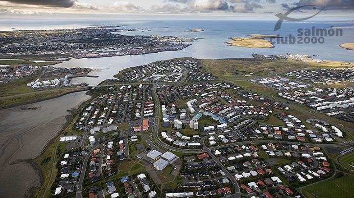 Vista de Reykjavik desde el aire