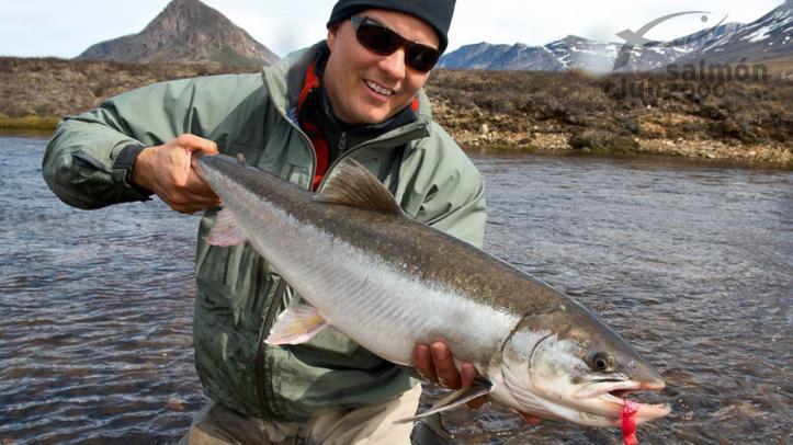 Pesca de enormes salvelinos